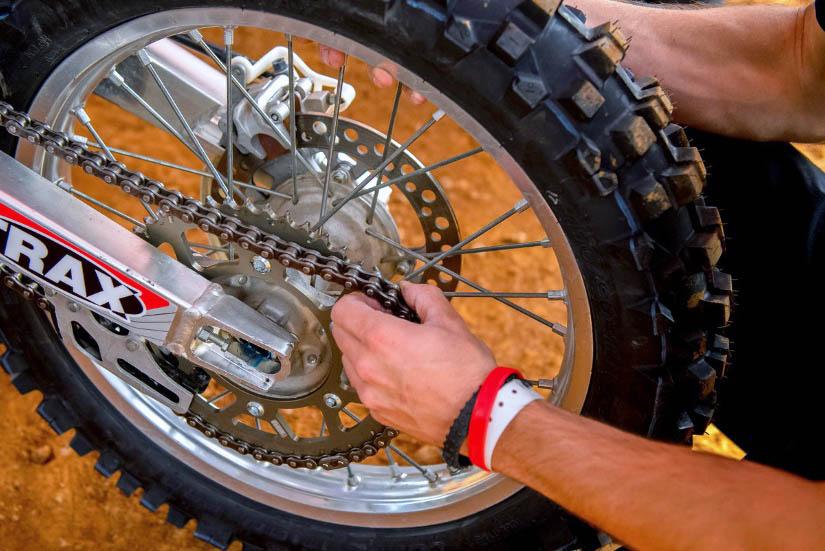 Ako na výmenu motocyklovej reťaze